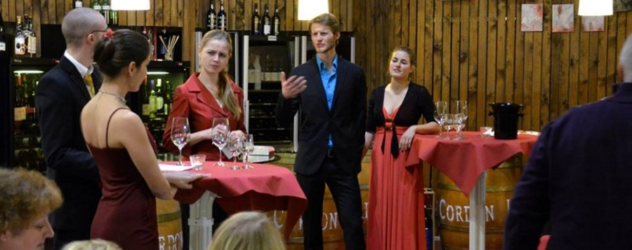 Charisma-Theater Feuershow Krimidinner Feiern Events Party Motto Kostüm